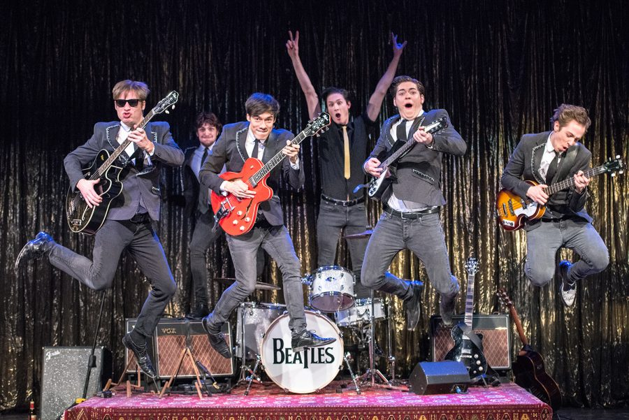 Backbeat - Die Beatles in Hamburg; Altonaer Theater; Mit: David Nádvornik, Tom Semmler, Florian Clyde, Frederic Böhle, Yannik Meyer, Philip Spreen; Regie: Franz-Joseph Dieken;